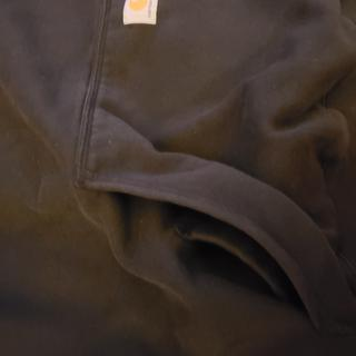 Extra pocket in the heavyweight hoodie