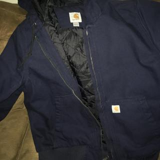 Absolutely love this jacket it's light but very warm. Easy to move around in not bulky and uncomfor